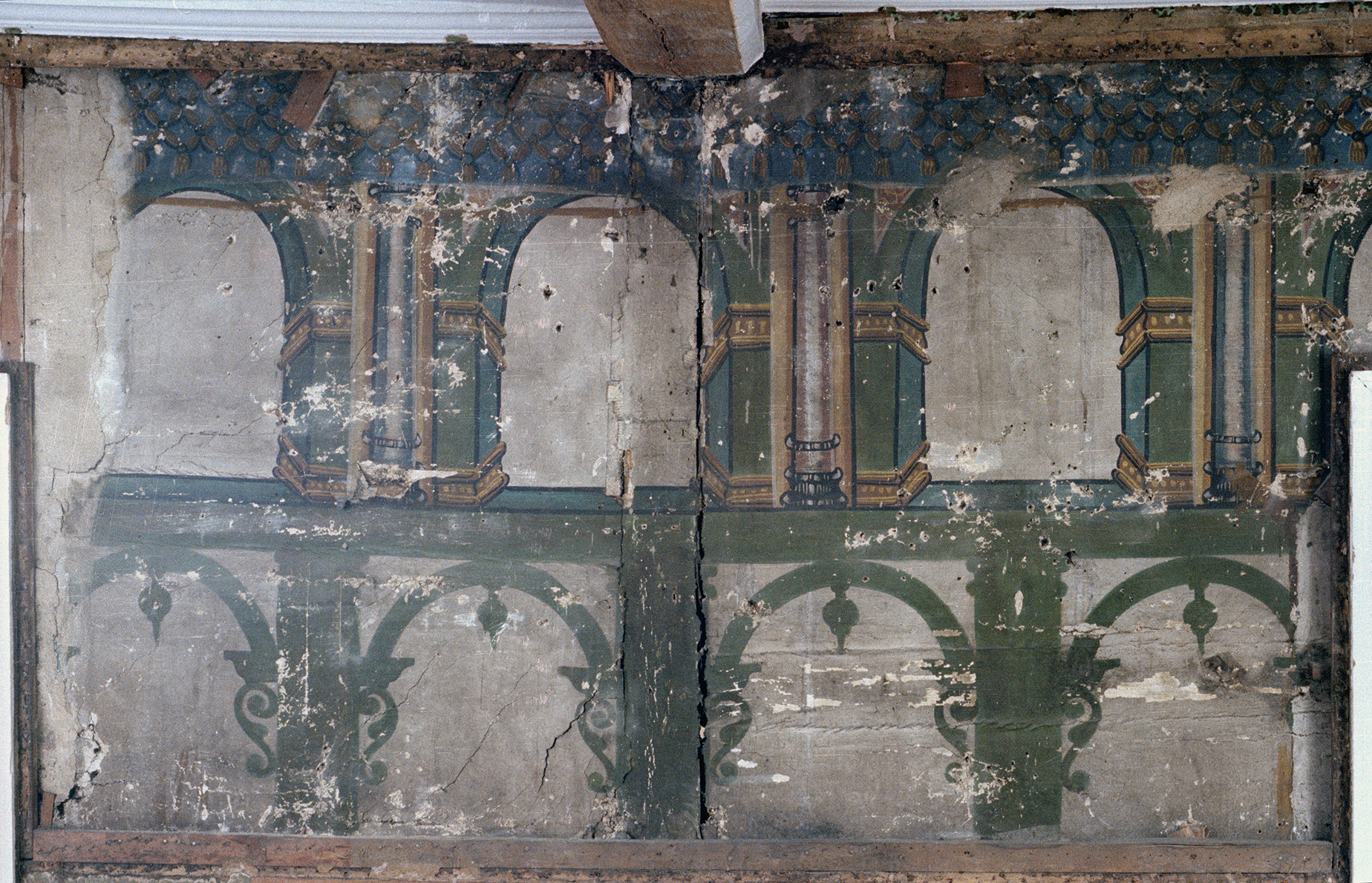 Ancient decorations queens 39 college for Ancient decoration