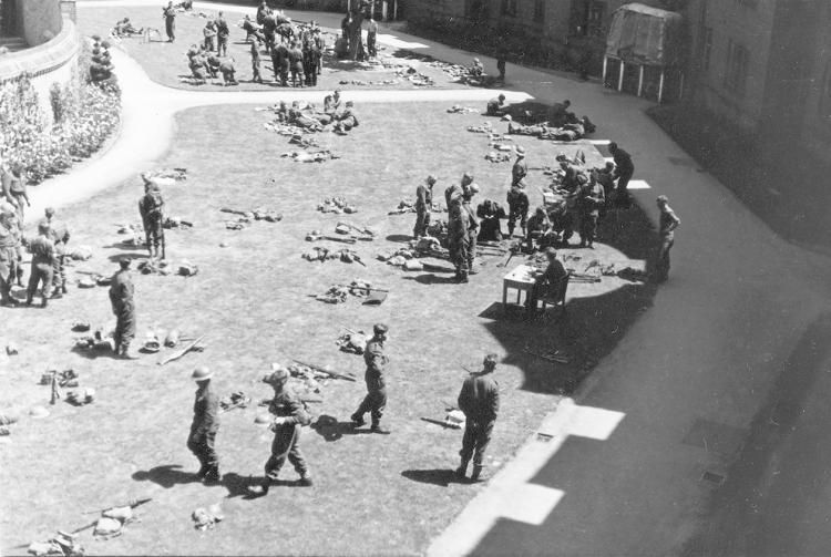 Photo of Dunkirk evacuees in Fisher Court 1940