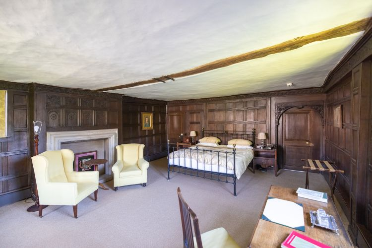 Photo of bedroom in the Essex Wing