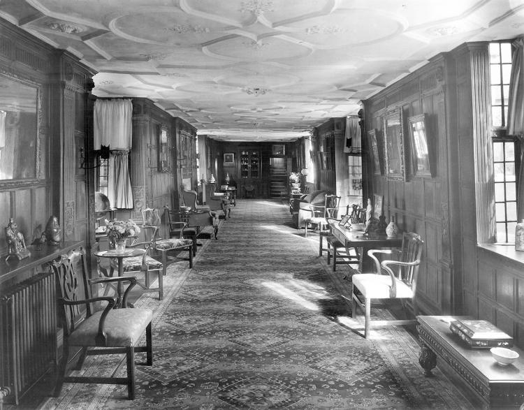 Long Gallery interior