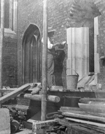 E staircase works 1934: inserting new window in Old Court