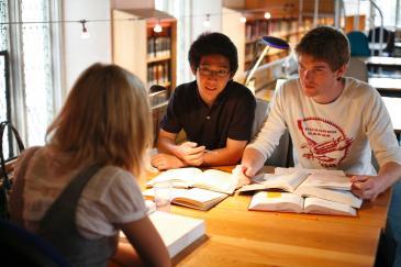 Undergraduates Queens' Library