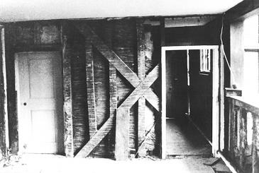 Long Gallery severed cross-bracing