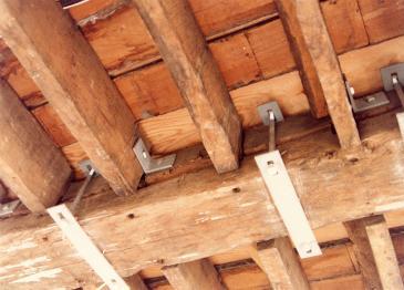 Long Gallery failed bridge beam