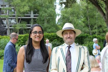Aarushi Sahore (2018), recipient of the Sigmund Sternberg Studentship, with Michael Sternberg (1970) at the 2019 Garden Party.